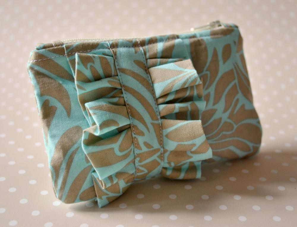 Coin purse Ruffle mini blue and nude UK Handmade in Amy Butler Daisy chain.