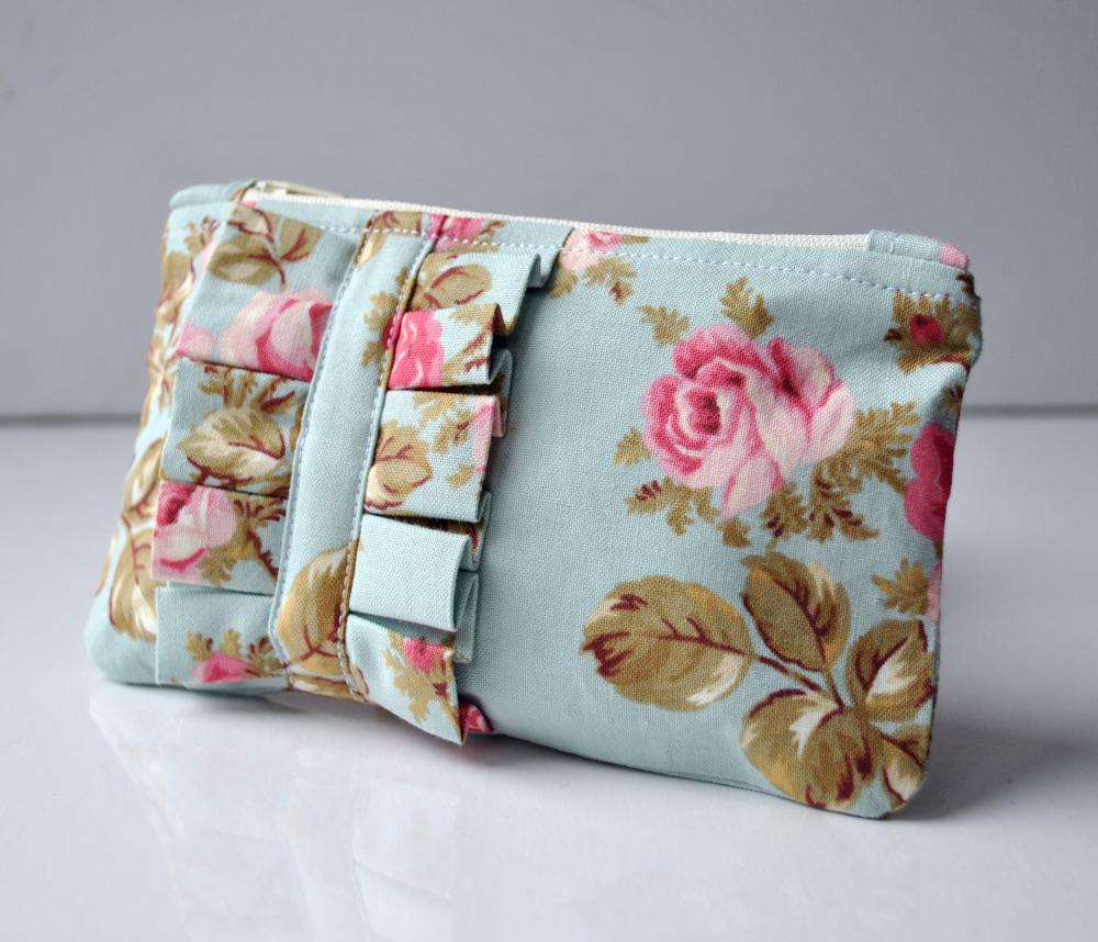 English rose ruffle mini coin purse.